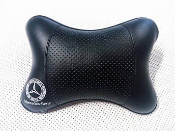 Подушка на подголовник в автомобиль с логотипом Мерседес Подушка-подголовник для водителя в машину
