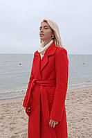 Зимнее женское пальто красное с поясом на подкладке