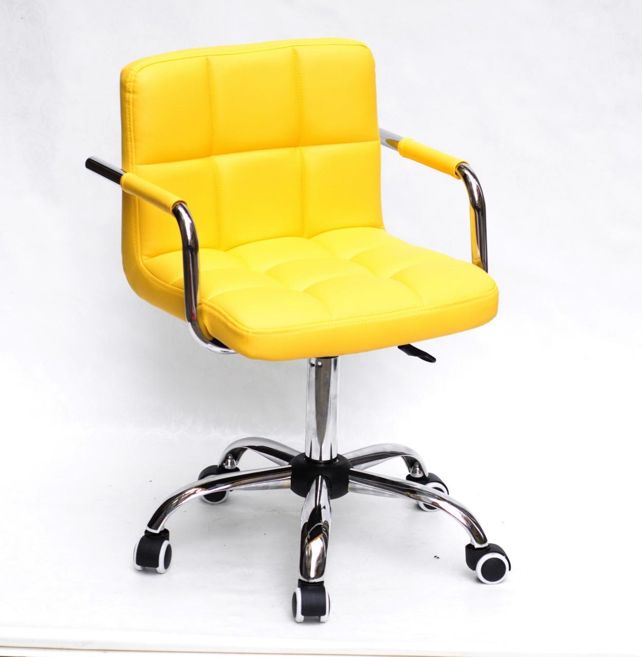 Желтое офисное кресло с подлокотниками на колесиках из эко кожи с хромированным основанием ARNO ARM CH-OFFICE