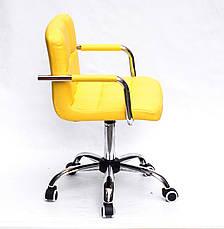 Желтое офисное кресло с подлокотниками на колесиках из эко кожи с хромированным основанием ARNO ARM CH-OFFICE, фото 3