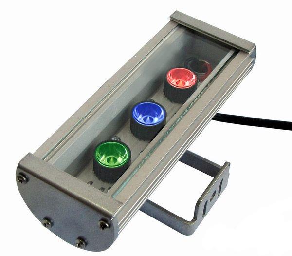 Линейный светильник 9W 180мм IP67 Wall washer RGB