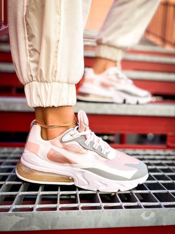 Кроссовки женские Nike 270 React White Light Pink Grey
