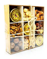 """Подарунковий набір № 6 """"Набір з горіхами і медом"""""""