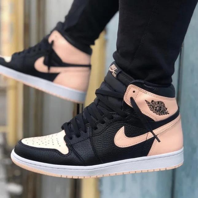 Кросівки жіночі Nike Air Jordan Retro в стилі найк джордан Чорні (Репліка ААА+)