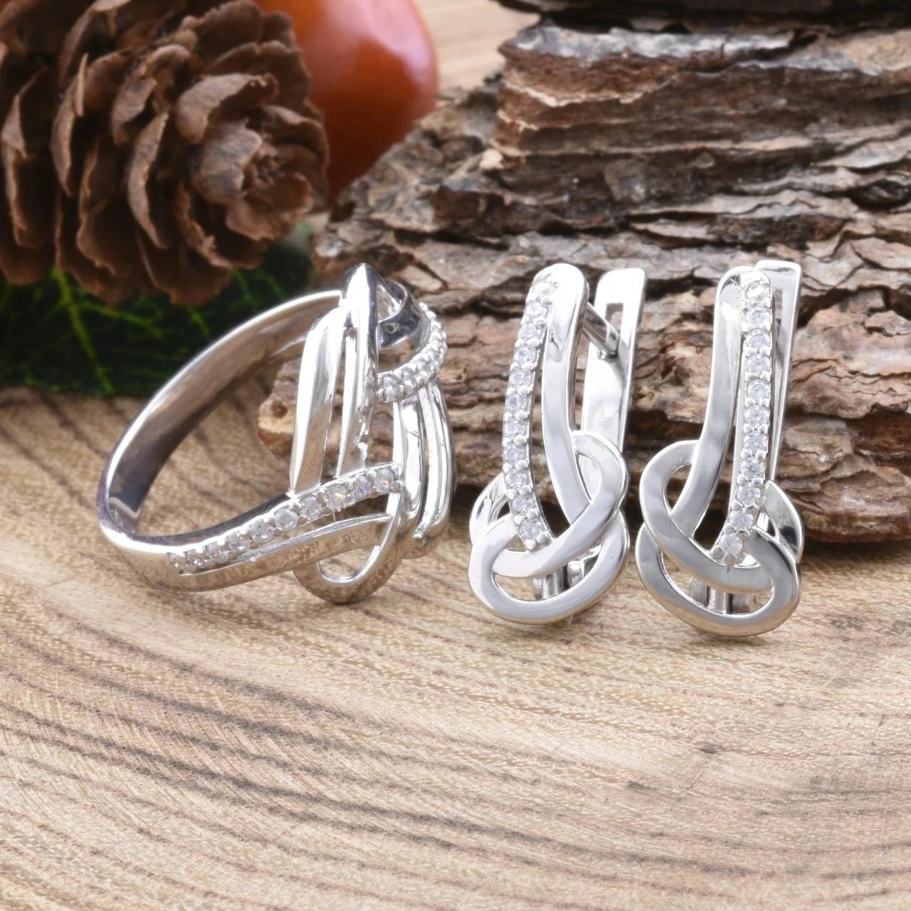 Серебряный набор Ш735 кольцо размер 16.5 + серьги 19х8 мм вставка белые фианиты