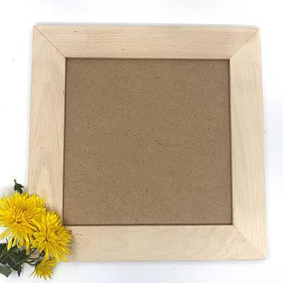 Дерев'яна рамка для фото 22*22см.