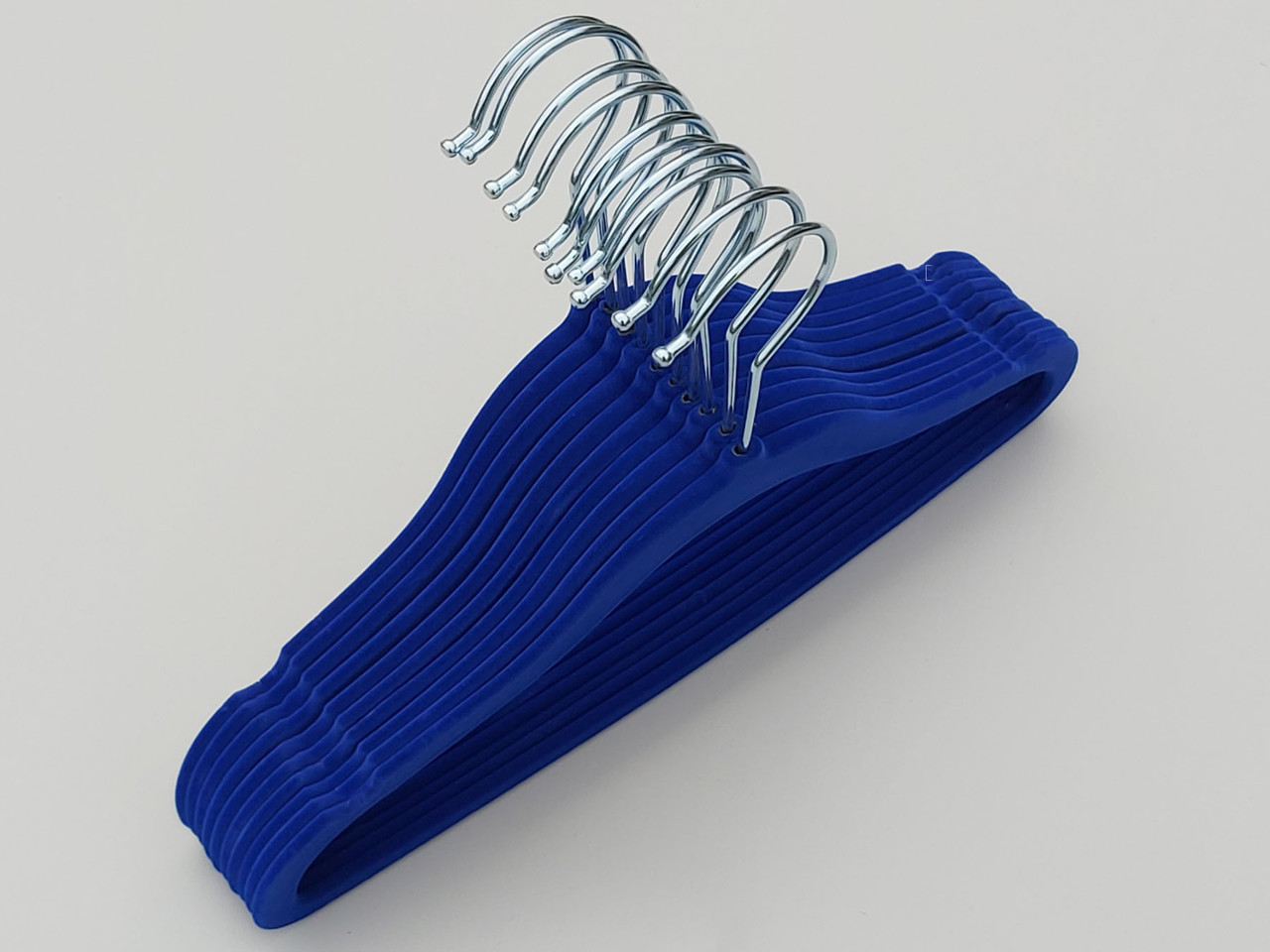Плечики детские флокированные (бархатные) синего цвета, длина 29,5 см, 10 штук в упаковке