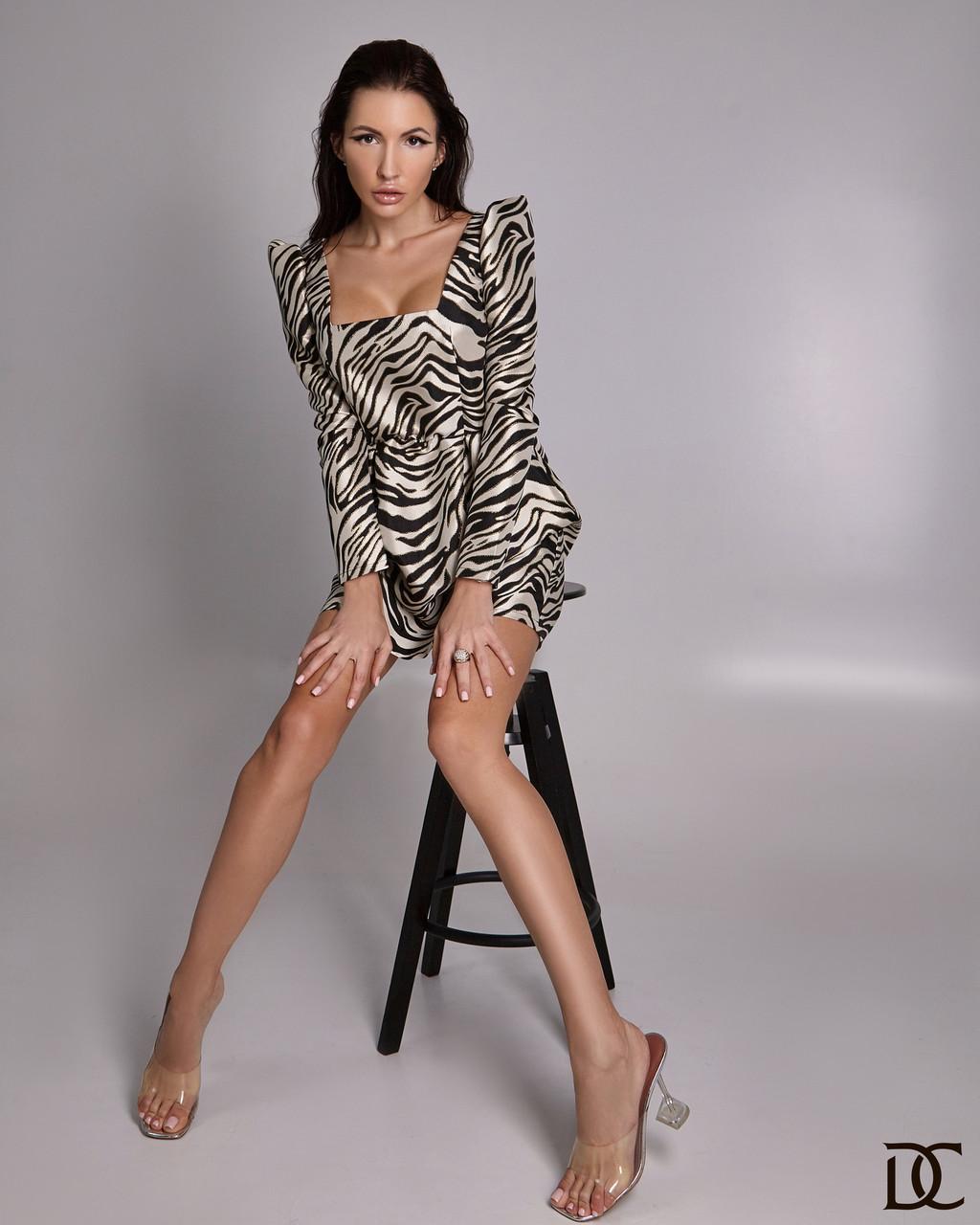 Принтованное платье - трапеция с квадратным декольте (р. S, XL) 31plt1791