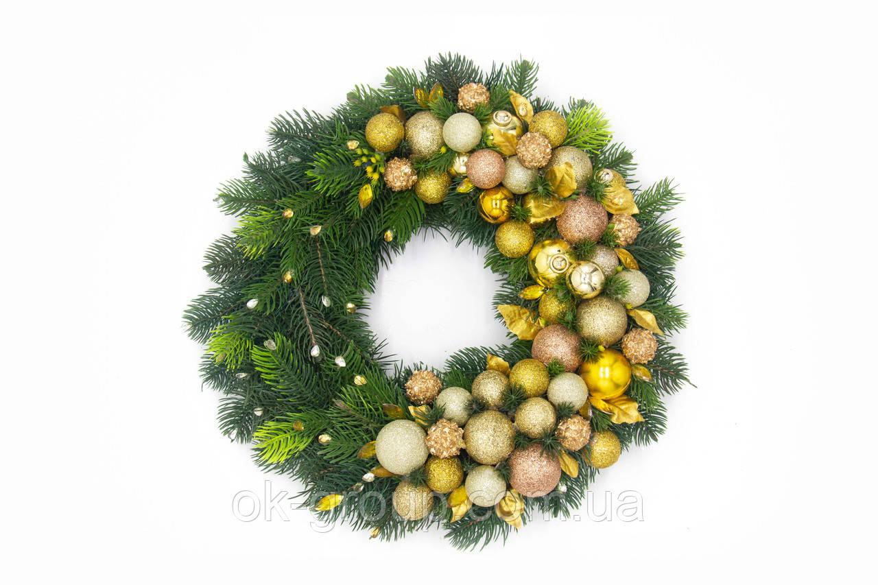 Венок рождественский новогодний D30 литая хвоя и новогодние украшения