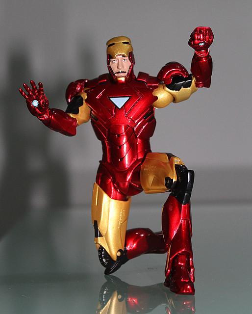 Фигурка Marvel Железный Человек со съемной маской, 17см - Iron Man Mark VI