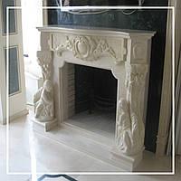 Классический каминный портал из мрамора со скульптурами: заказать в Днепре., фото 1