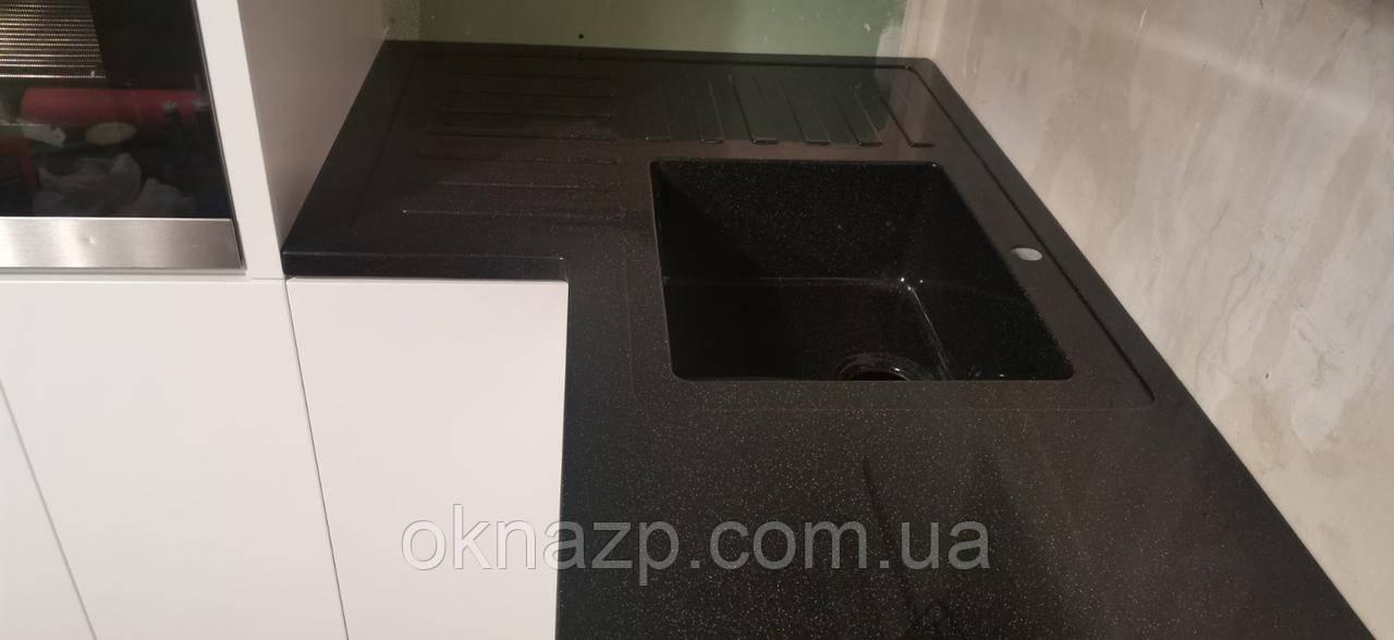 Столешница кухонная (литая мойка+ 2700грн./шт. дополнительно)