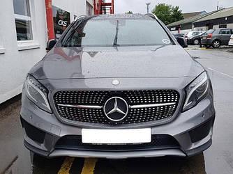Решетка радиатора Mercedes GLA X156 (14-17) стиль AMG Diamond (черный глянц + хром)