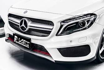 Решетка радиатора Mercedes GLA X156 (14-17) стиль AMG 45 (черная + серебро)