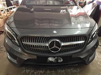 Решетка радиатора Mercedes GLA X156 (14-17) стиль AMG Diamond (серебро + хром)