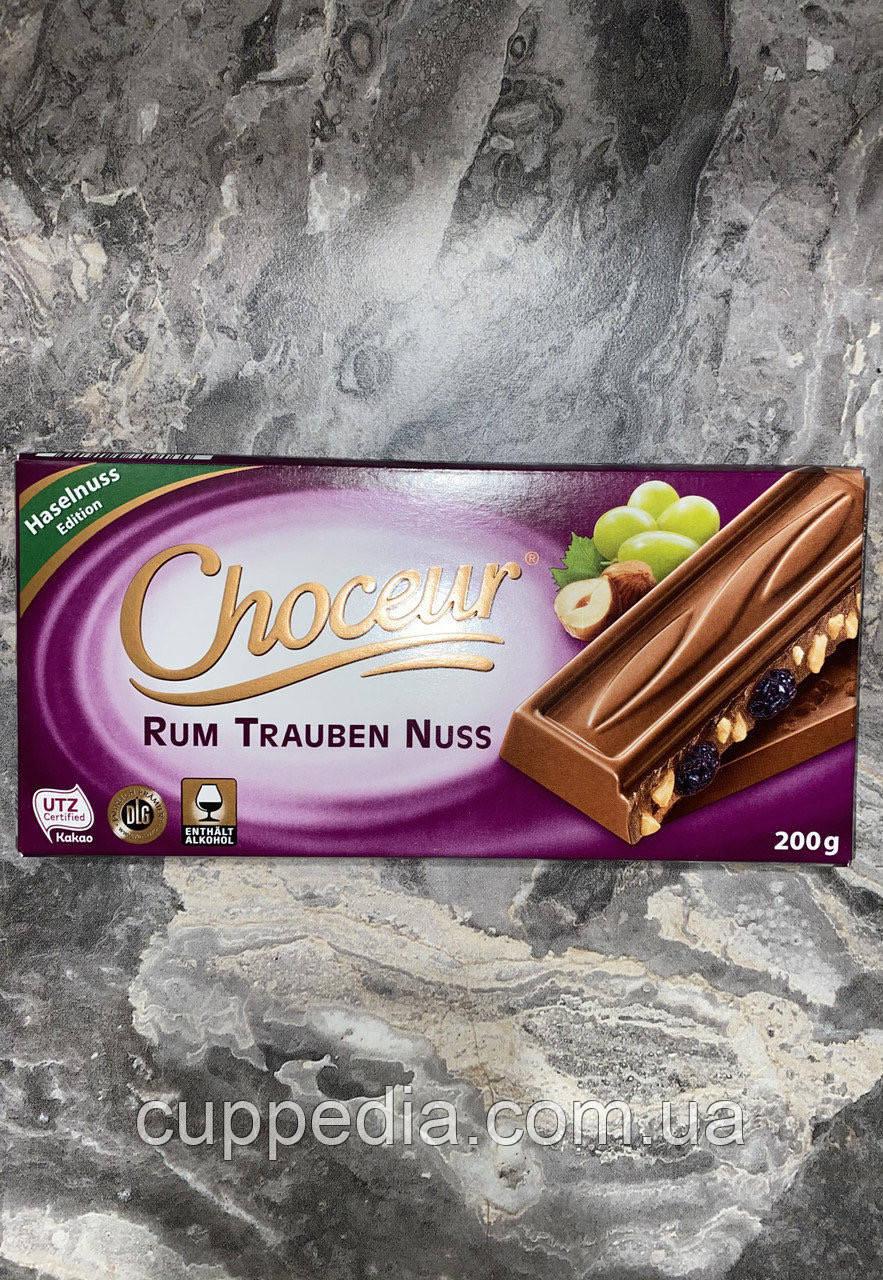 Молочний шоколад Chateau (ром, горіх, родзинки) 200 грм