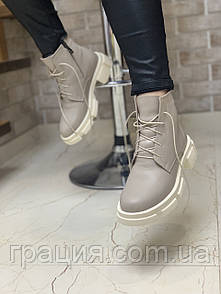 Модні жіночі шкіряні черевички на підборах зі шнурівкою