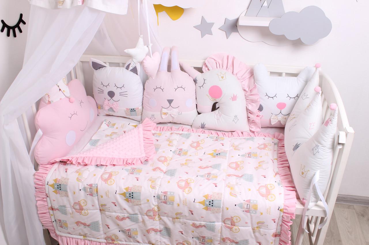 Комплект в кроватку с зверюшками в нежно розовых тонах