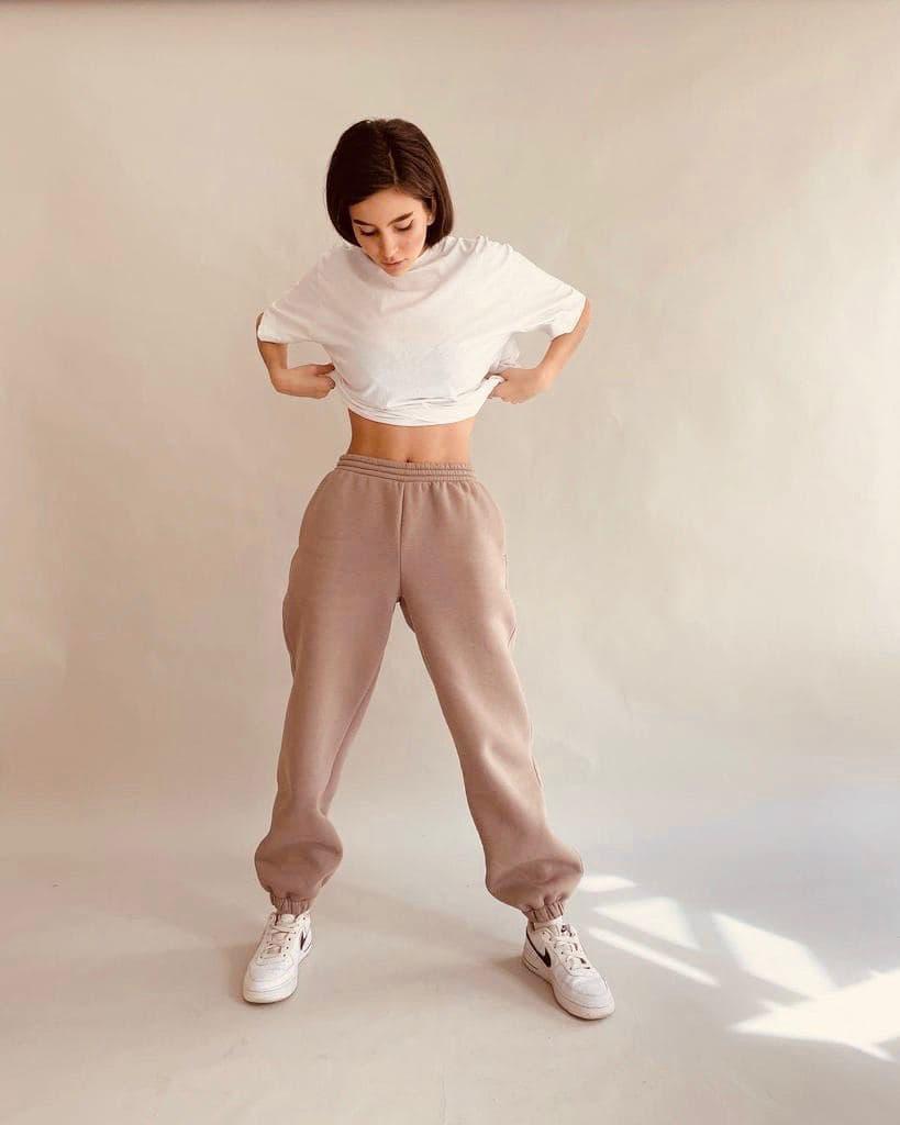 Стильные спортивные штаны на флисе