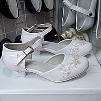 Туфли белые лаковые на каблуке для девочки 27(17),28(18см),29(19),30(19,5)31(20)