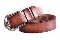 Кожаный ремень под джинсы с серебристой пряжкой