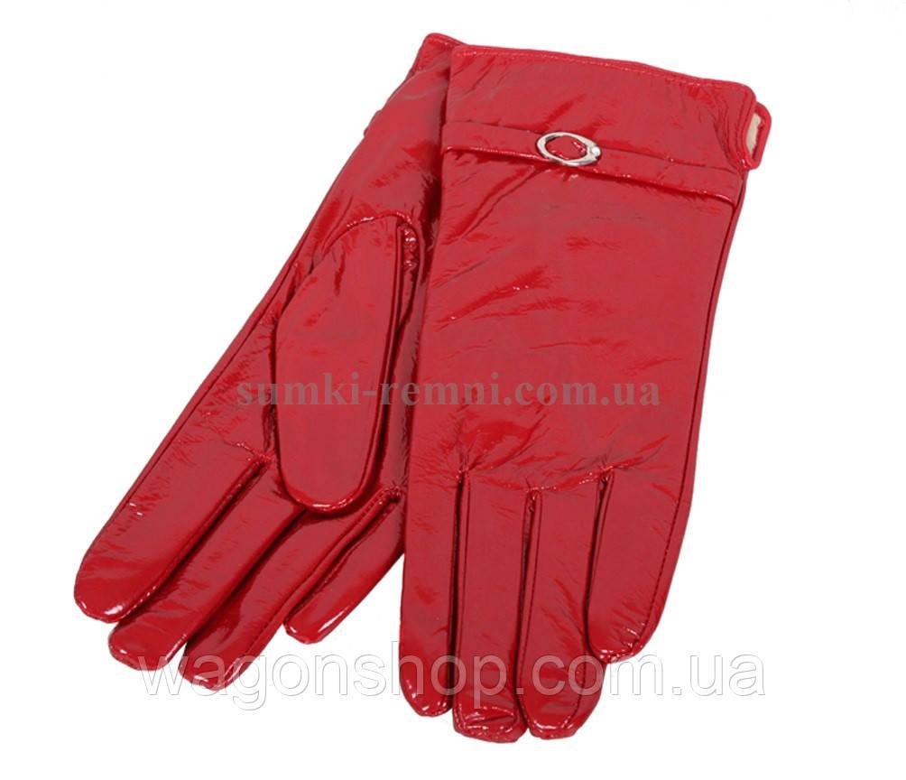 Оригинальные женские перчатки красные