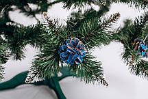 Різдвяна Ялинка елітна з шишкою і калиною блакитна 2,5 м, фото 2