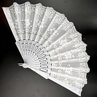 Свадебный веер белоснежный с цветами 24х42 см (С2313), фото 1