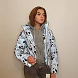 Куртка рефлективна з світловідбиваючої тканини з принтом Міккі Маус для дівчинки з трикотажним капюшоном, фото 2