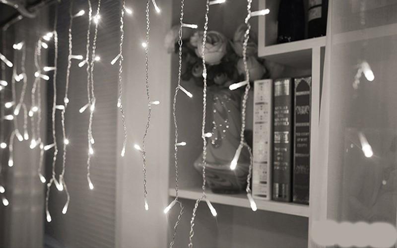 Светодиодная гирлянда Shine Lighting Бахрома 100LED 3 метра Белая