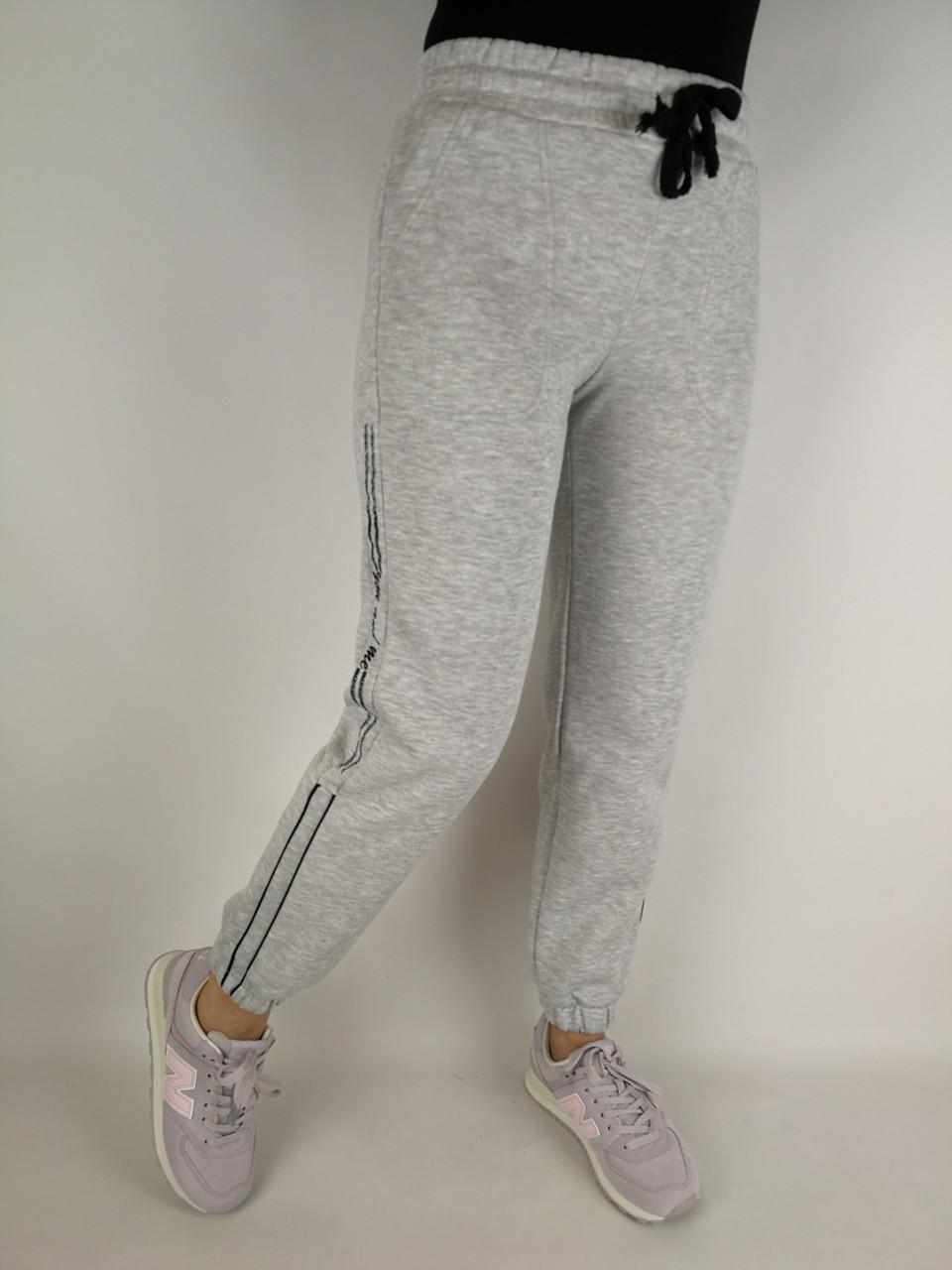 Світлі жіночі штани фліс