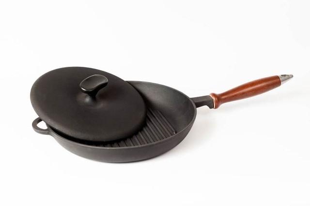 Сковорода гриль чугунная, с деревянной ручкой и прессом , d=260мм, h=40мм