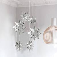 Декор для Нового года в виде снежинок