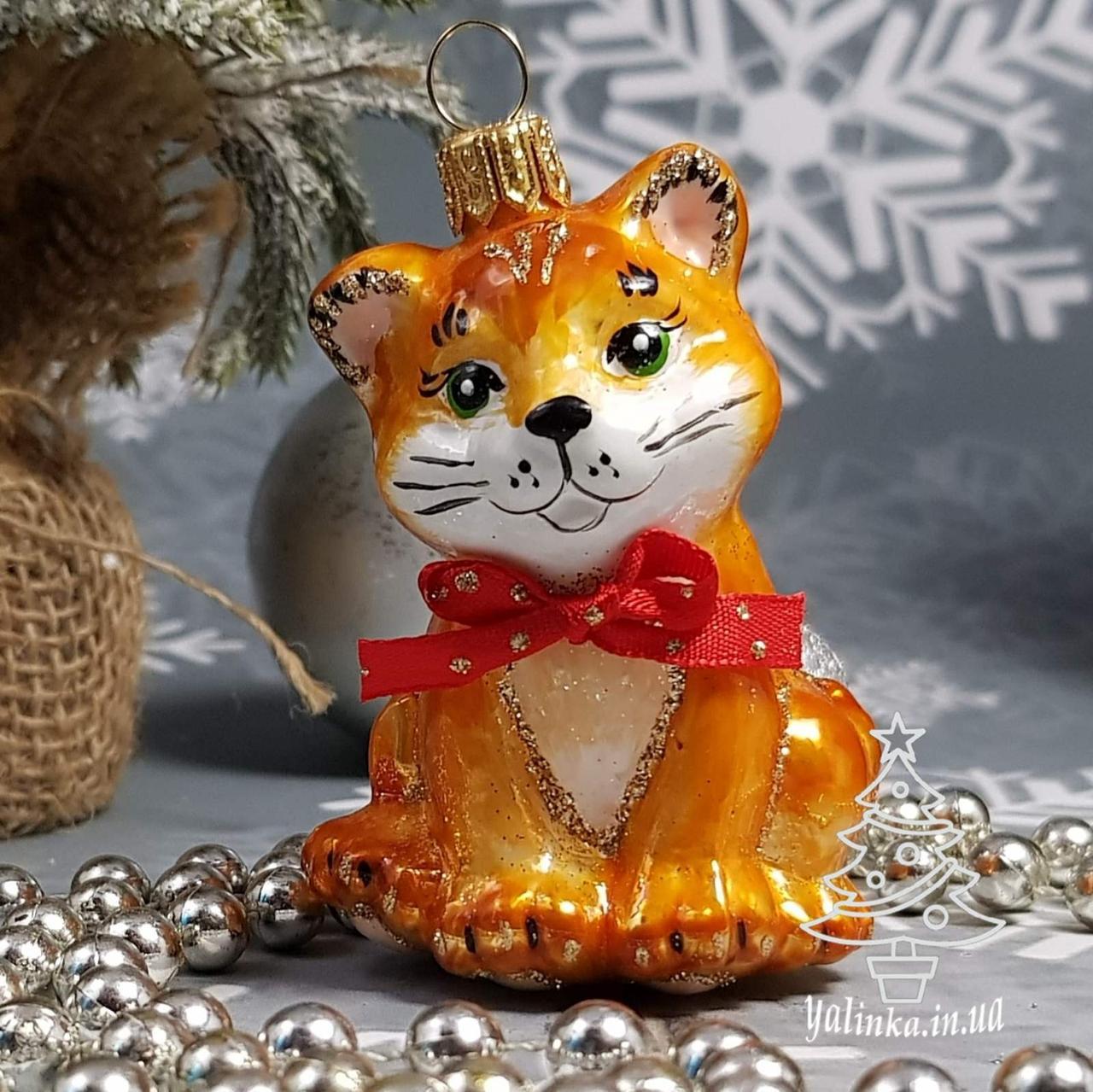 Стеклянная елочная игрушка Рыжий котенок с бантиком ( маленький) Irena