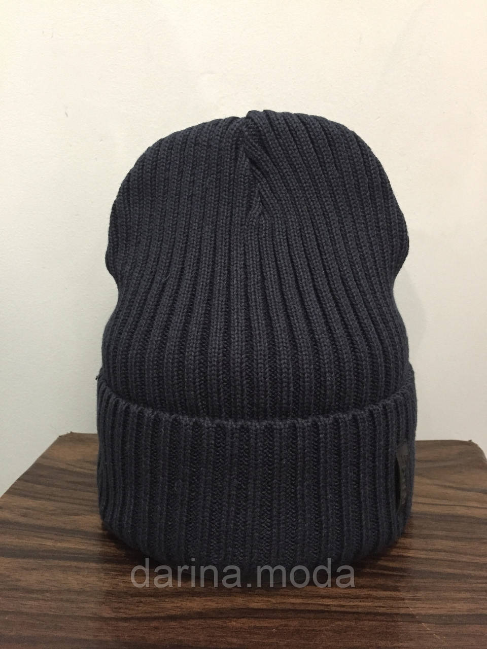 Зимняя молодежная шапка