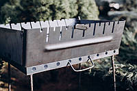 Мангал складной чемодан на 8 шампуров 2 мм.  в чехле и перчатками .