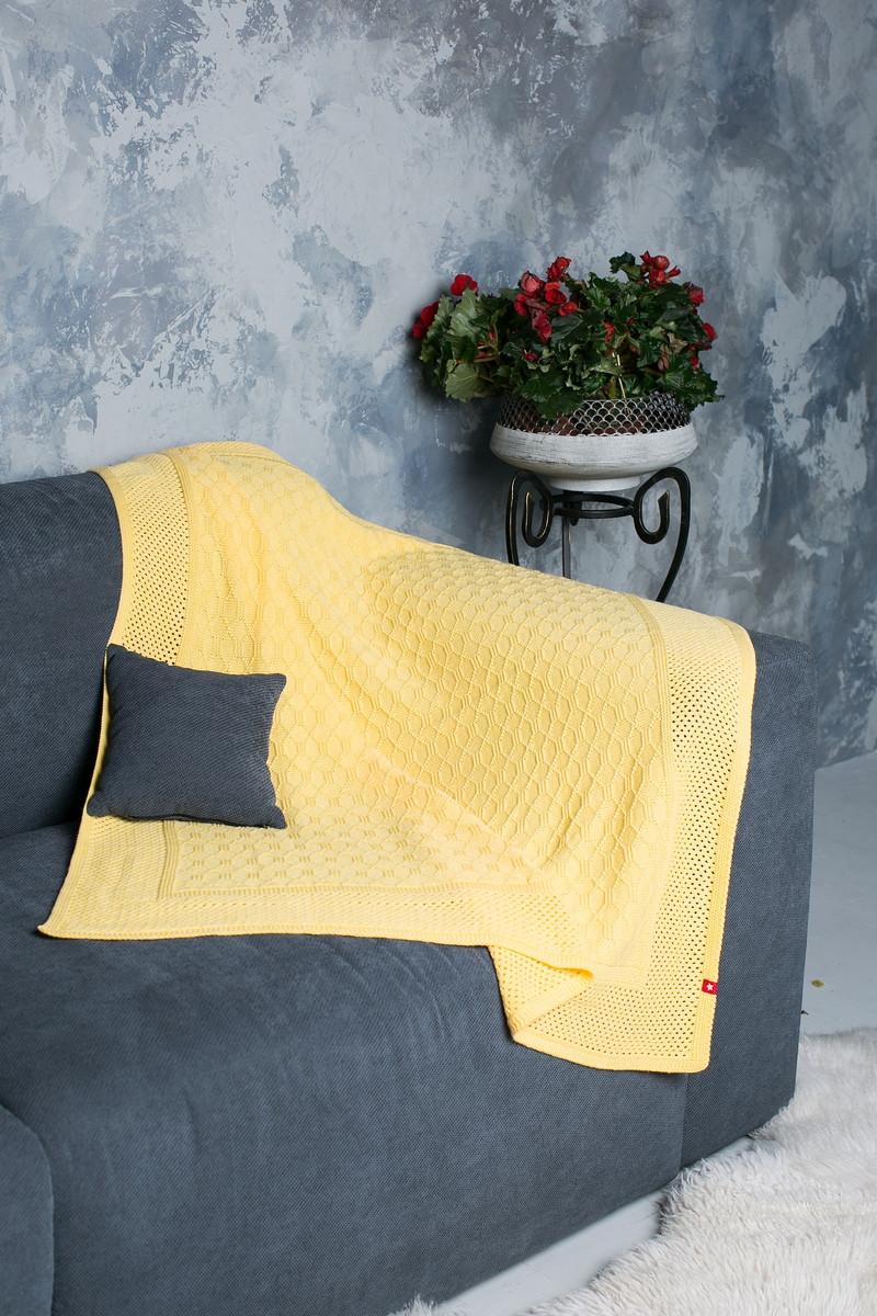 В'язаний плед з візерунком. Розмір 120x120. Колір-жовтий. 75% акрил/ 15% поліамід/ 10% вовна