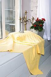 Детский вязаный плед Шашки. Размер 120x120. Цвет желтый.