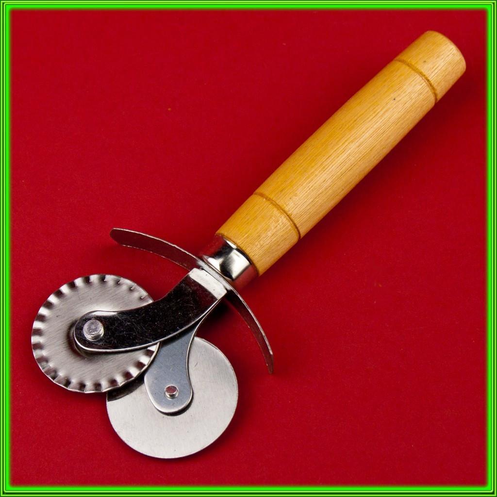 Колесо кулинарное двойное L 15 см D 3,8 cм с деревянной ручкой