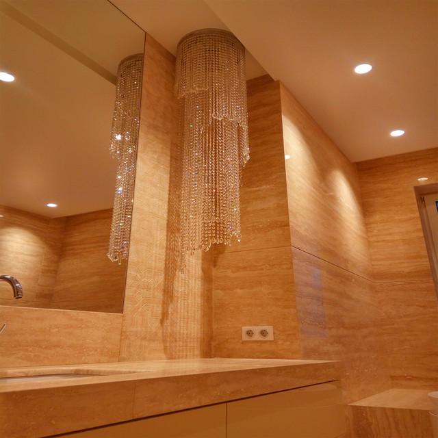Ванная комната с травертина