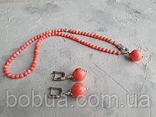 Комплект ′Розовый коралл′: бусы и серьги.