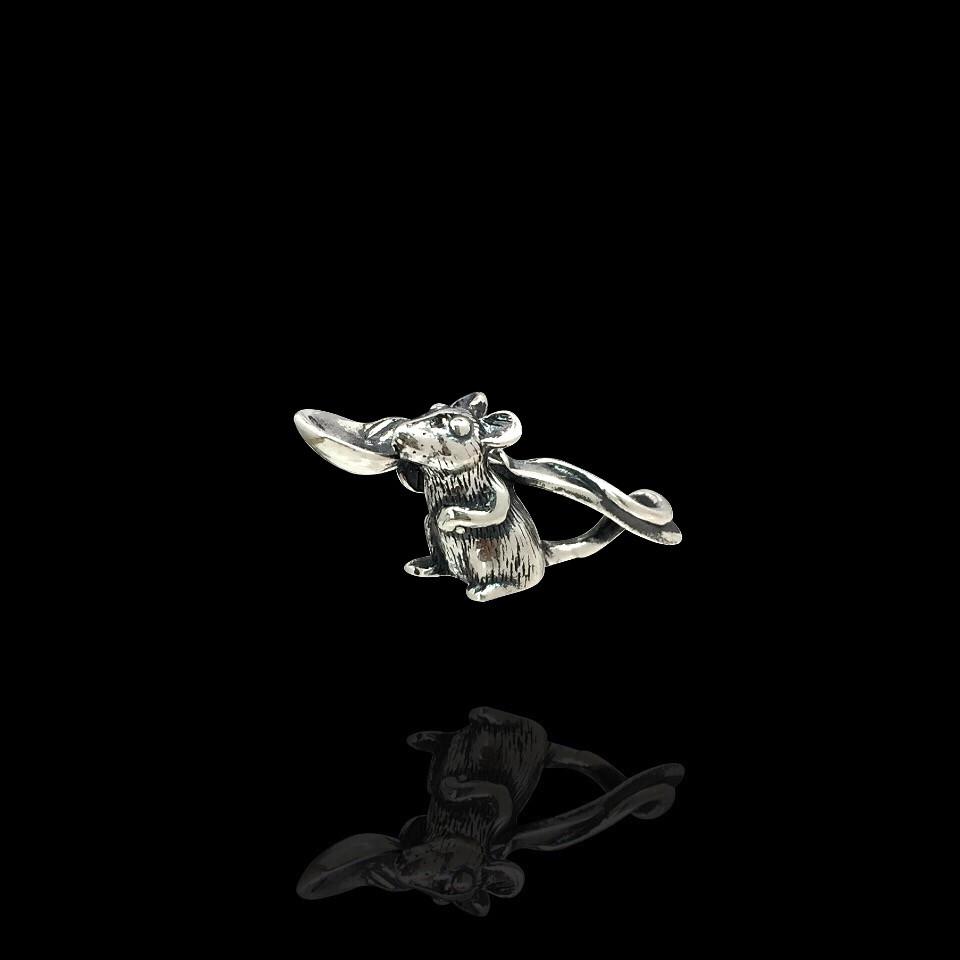 Срібна кошельковая миша з ложкою