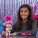 Кукла тролли Розочка поющая DreamWorks Trolls World Tour Pop-to-Rock Poppy, фото 5