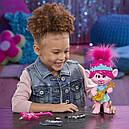 Кукла тролли Розочка поющая DreamWorks Trolls World Tour Pop-to-Rock Poppy, фото 6