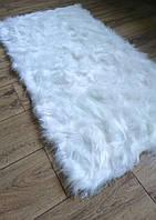 Белый коврик из меха, нежный, красивый и мягкий