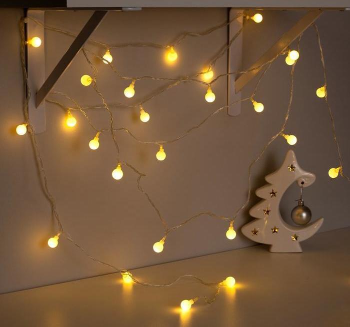 Электрическая гирлянда Шарики 18 мм 20 LED, 7 м + переходник, теплый белый