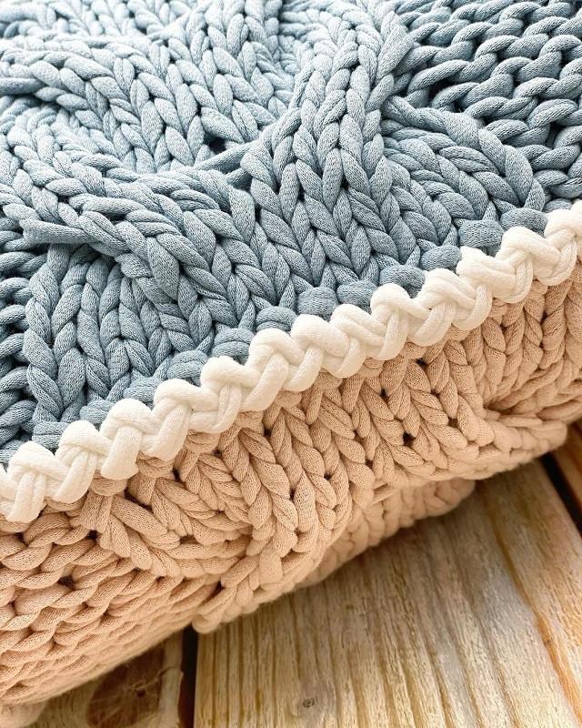 Обвзяка вязаной подушки из трикотажной пряжи. Мини мастер класс. Секреты Бобилон