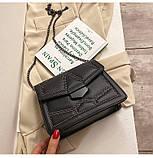 Женская классическая сумочка кросс-боди на цепочке с заклепками черная, фото 2