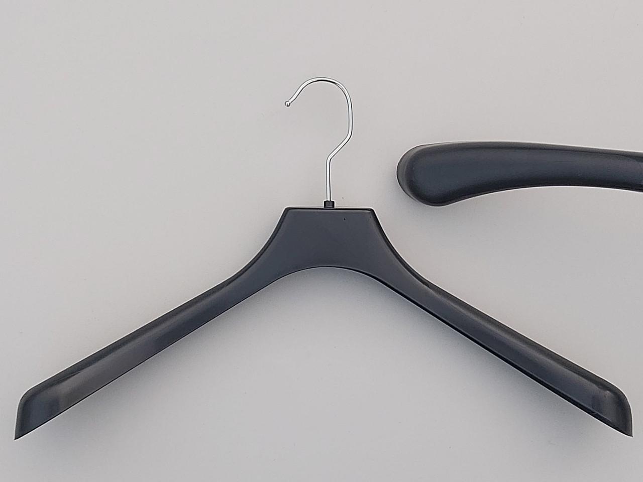 Плечики пластмассовые  продается лотом  10 штук  по 10 грн, черного цвета, длина 42 см