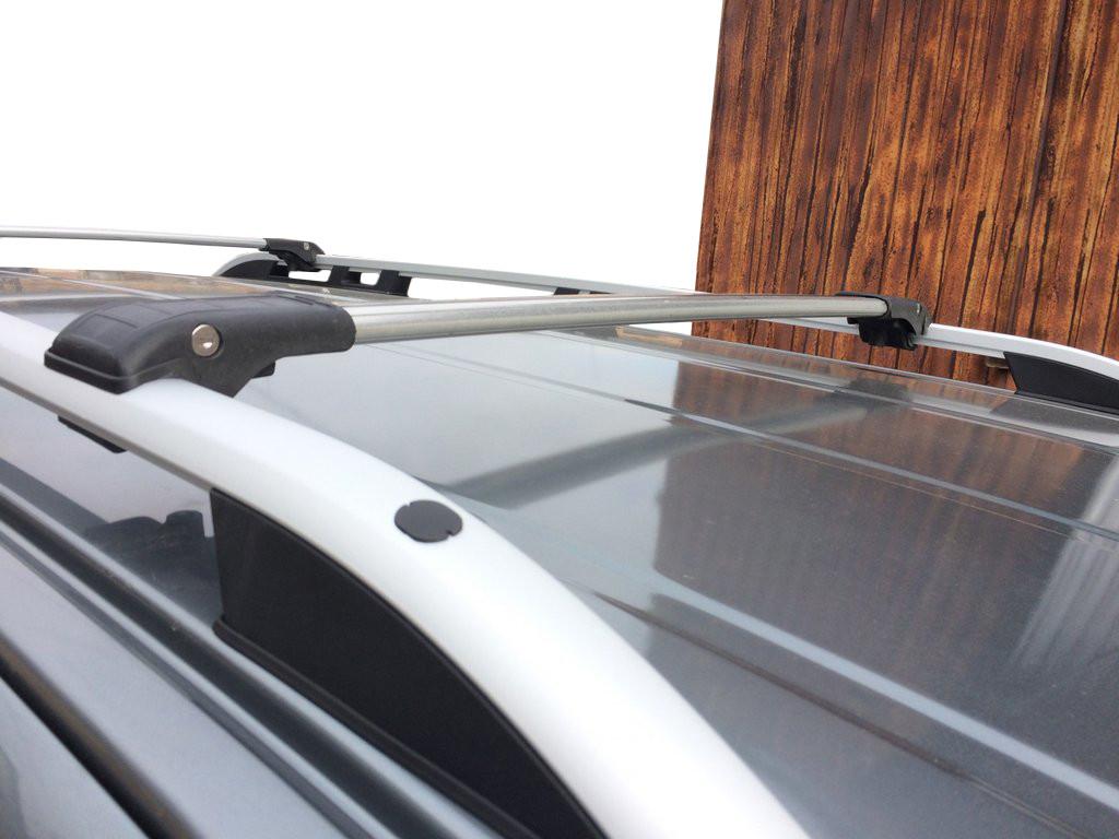 Range Rover Sport 2014↗ Поперечный багажник на рейлинги под ключ Серый / Багажник Ленд ровер